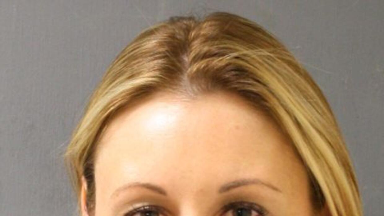 Ellen Wermeling de 32 años fue puesta en ausencia administrativa mientra...