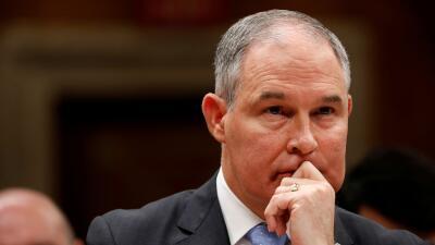 Pese a cuestionamientos éticos y gastos excesivos, el director de la EPA mantiene su cargo