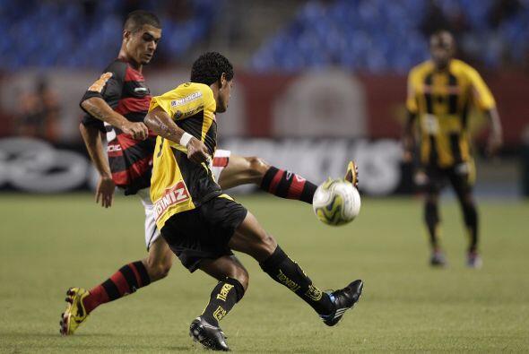 El esperado debut de Ronaldinho en el Flamengo no se realizó, el jugador...