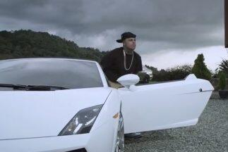 En el video Travesuras del reguetonero Nicky Jam aparece un Lamborghini...