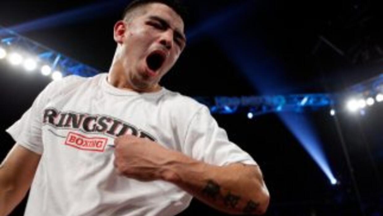 Ríos acabó con Alvarado en cuatro rounds.