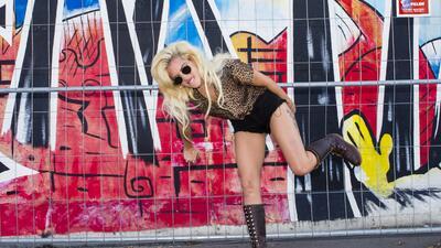 Escote traicionero: Lady Gaga muestra de más en Berlín