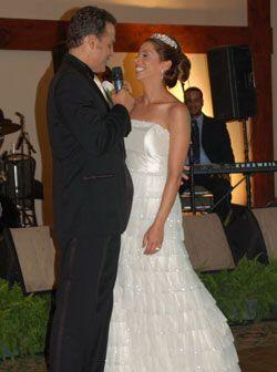 """La boda de Stephen fue un verdadero cuento de hadas, """"la mujer latina si..."""