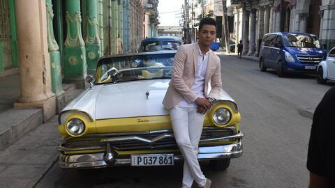 Luis Coronel viajó a La Habana, Cuba para filmar el video de su n...