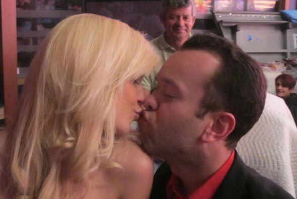 """""""Cupido"""" hasta le consiguió un amor al productor Carlitos."""