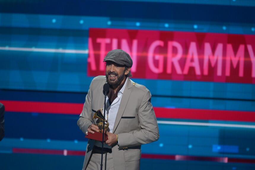 Juan Luis Guerra se llevó el gramófono de Álbum del Año por su disco 'To...