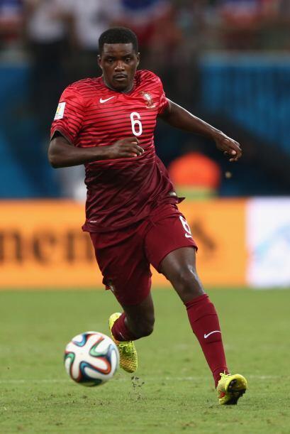 El centrocampista de Portugal, William Carvalho, está en la mira...