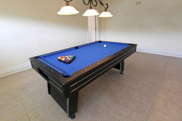 Una mesa de billar. Si tienes suficiente espacio en la habitación, tal v...