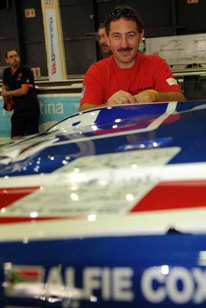 Este evento reúne a pilotos de todo el mundo. Alfie Cox de Nissan ha via...