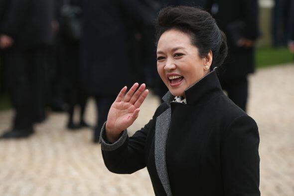 57.- PENG LIYUAN: Es la Primera Dama de China, reconocida por su comprom...