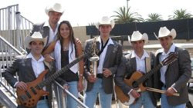 Hermanos mexicanos triunfaron en la música y en UCLA 5a74a547c6df4d41a17...