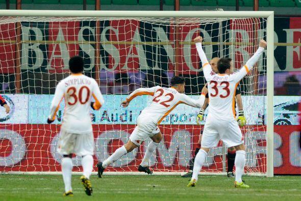 La Roma superó de visitante al Milan por 1 a 0 despidió el 2010 con un v...