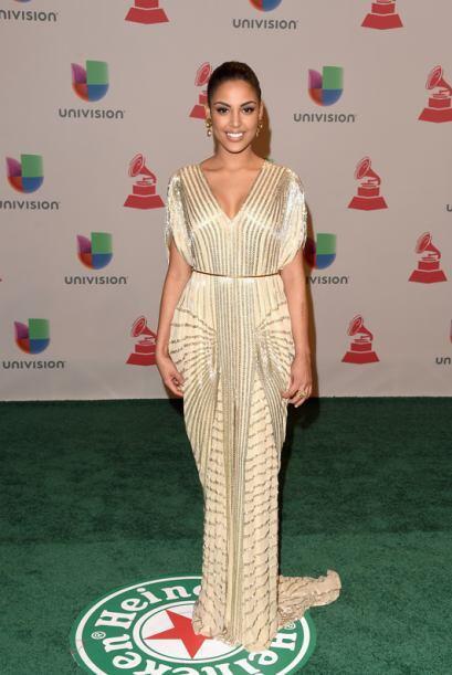 En un vestido claro de Naeem Khan, la dominicana derrochó mucha s...