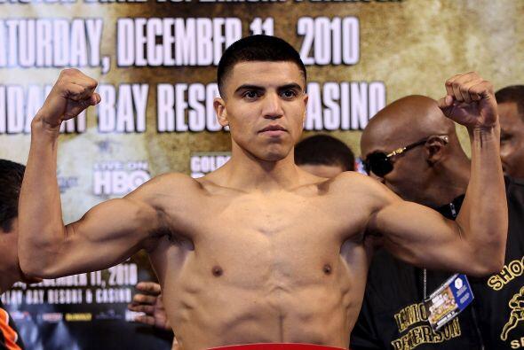 Víctor Ortíz dio 141 libras y se mostró fuerte y confiado para vencer a...