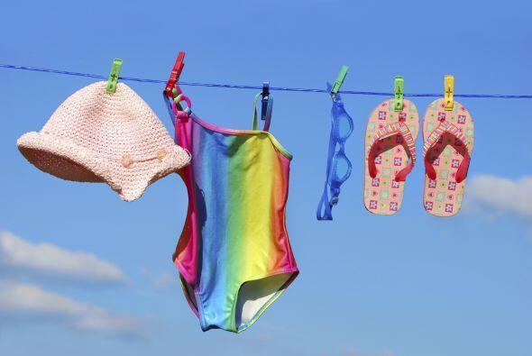 Hazle lugar a las nuevas prendas empacando la ropa de verano. Despídete...
