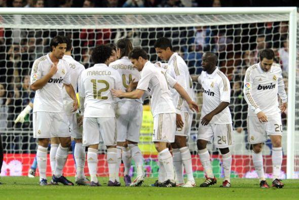 El Madrid se divertía y mantenía la punta de la Liga.