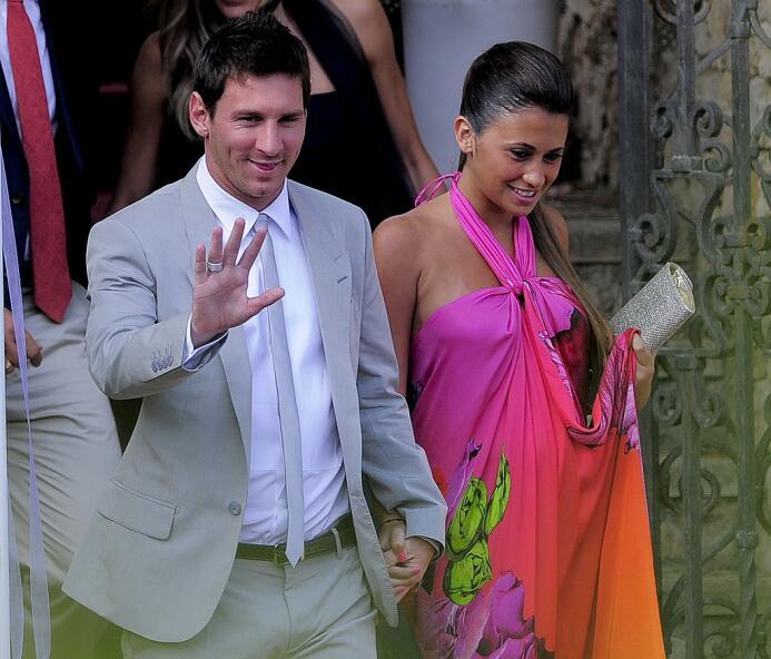El astro del Barcelona se casará con la madre de sus dos hijos , una bod...