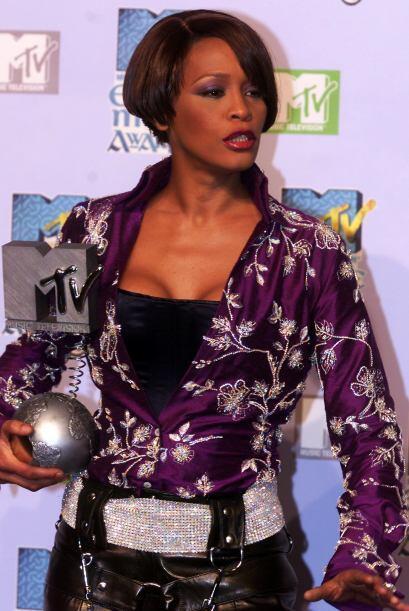 Pasaron diez años y el éxito de Whitney Houston parecía interminable, in...