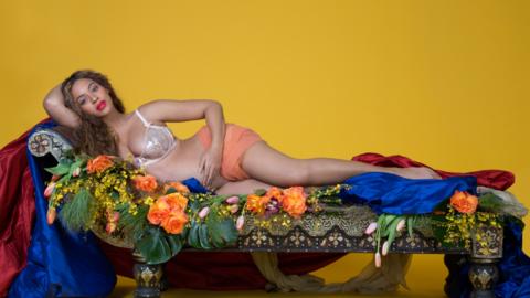 Beyoncé publicó la sesión de fotos de su embarazo e...