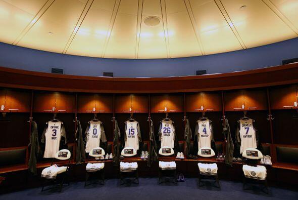 Jerseys para ser usados por los jugadores del equipo de la Conferencia E...