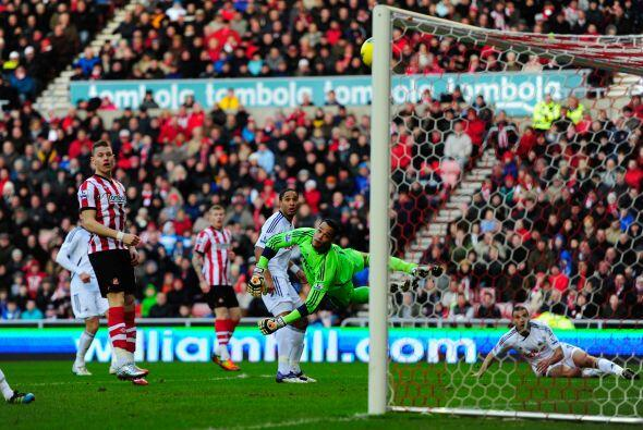 Sunderland venció al Swansea 2 a 0.