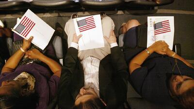 Nueva York ofrece ayuda a inmigrantes para que puedan pagar la solicitud de la ciudadanía
