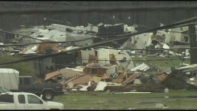 Ola de tornados deja al menos tres muertos en estados del sur del país