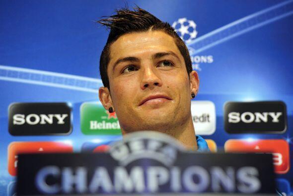 En esos tres delanteros incluye a Cristiano Ronaldo, pese a que parte de...