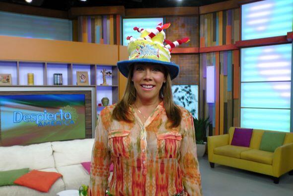 Cynthia Klitbo llegó este miércoles lista para celebrar su cumple en Des...