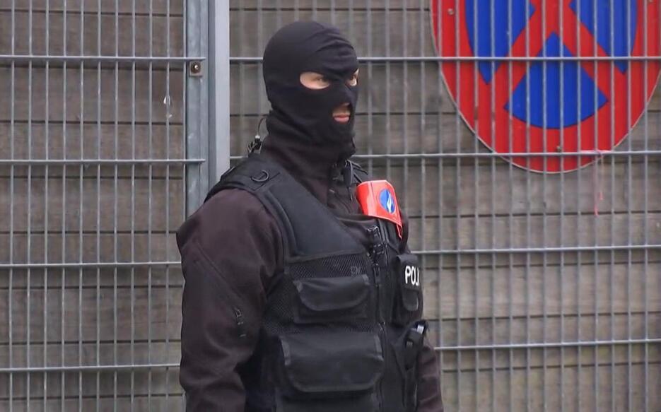 La operación contra el principal atacante de París Belgium%20Police%20Se...
