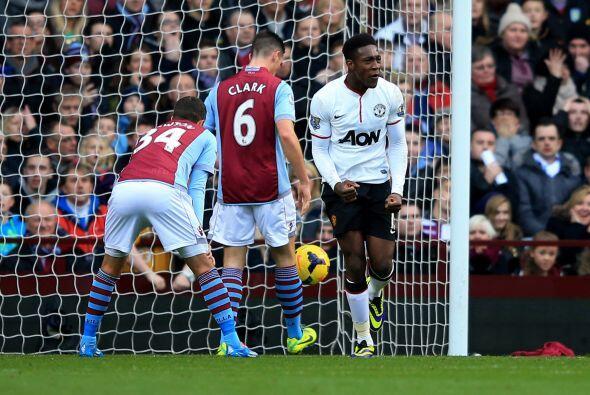 El inglés Danny Welbeck se barría para alcanzar la pelota y firmar el 1-0.