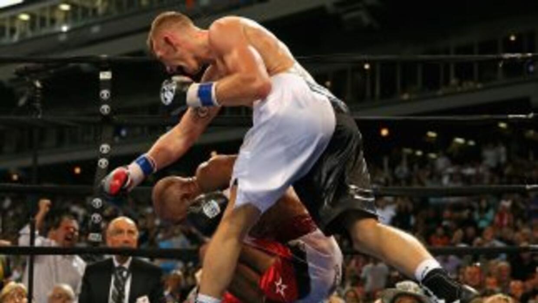 Fonfara noqueó a Campillo en nueve rounds.