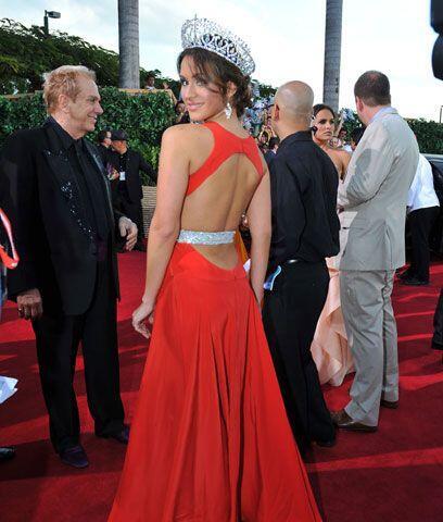 Melissa MartyElla dice: Con todo y corona llegó Melissa a Premio Lo Nues...