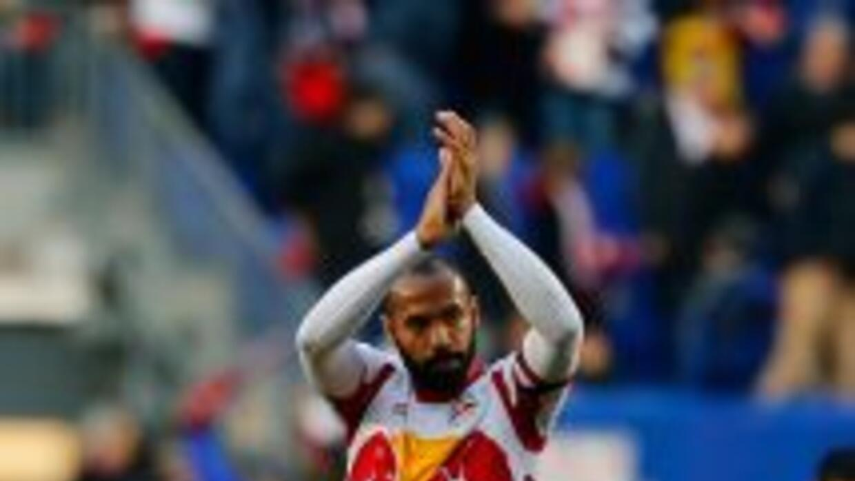 Thierry Henry confirmó que no seguirá en el fútbol como jugador.
