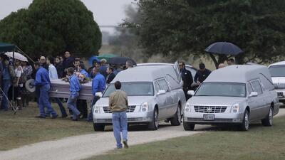"""""""Están danzando con Jesús"""": las familias se reúnen para dar el último adiós a las víctimas de la tragedia de Texas"""