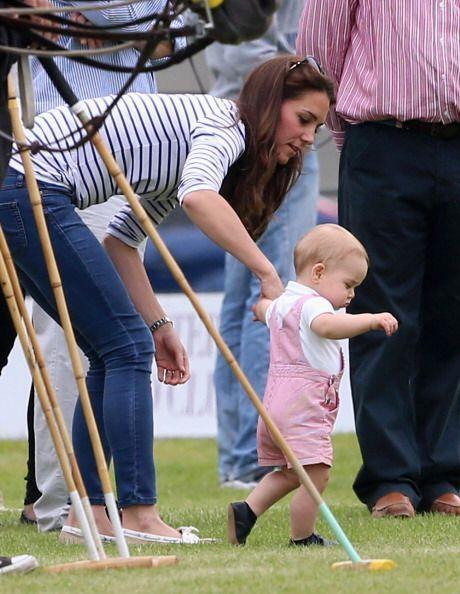 Aprender a caminar es un proceso que lleva su tiempo a todo bebé.