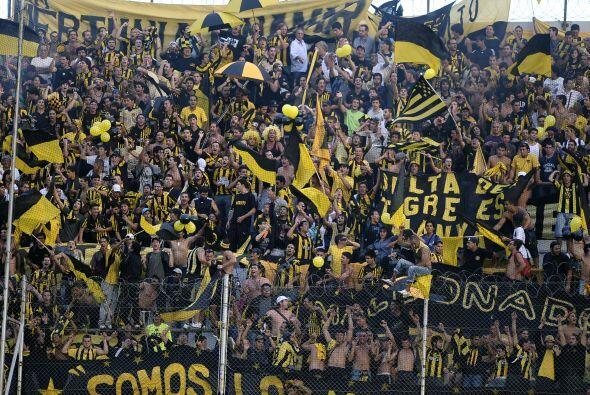 El que está cerca de octavos es Peñarol, pionero participante de la Libe...