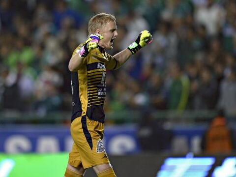 William Yarbrough (7): El arquero de León recibió tres gol...