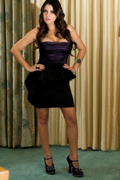Maite Perroni es la única mujer con mayor número de nominaciones este año.