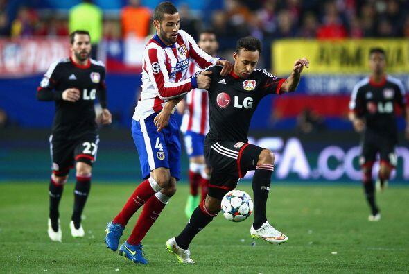 En tanto el Atlético de Madrid luchó poniendo garra y corazón en sus lle...
