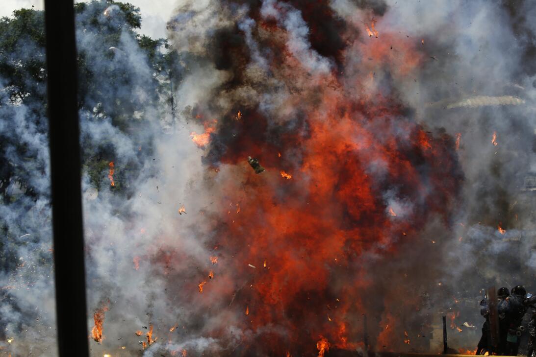 La explosión ocurrió en la plaza de Altamira de Caracas, uno de los prin...