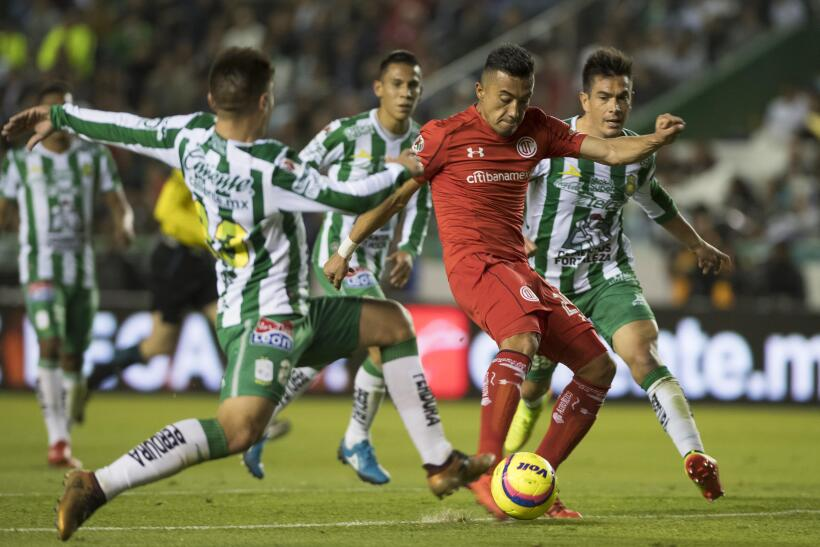 León ruge con fuerza y es líder al derrotar a Toluca 20180113-2931.jpg