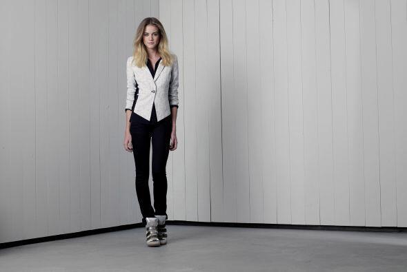 Para las mamás modernas1. Blusa de Merona Long-Sleeve Button-Down en neg...
