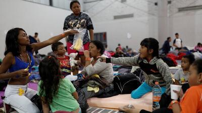 """""""El asilo político es un proceso difícil y largo"""", advierten a migrantes de caravana centroamericana"""