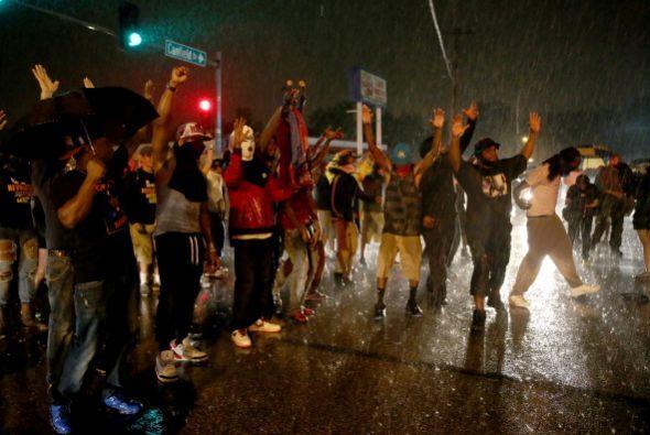 Manifestantes criticaron la divulgación del video y exigieron a la polic...