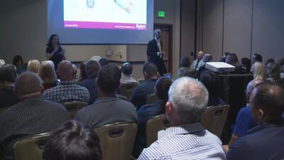 Cientos de educadores y políticos de California asisten a la conferencia anual de escuelas seguras