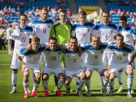 Dirigidos por Fabio Capello, los rusos no quieren esperar a ser los anfi...