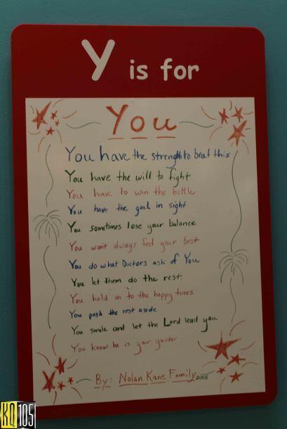 En uno de los pasillos del hospital deSt. Jude nos topamos con el abece...