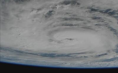 Las fotografías que muestran el ojo del huracán Harvey desde el espacio