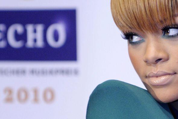 8.- Combinada de pies a cabeza, ese es el lema de Rihanna, quien gusta u...